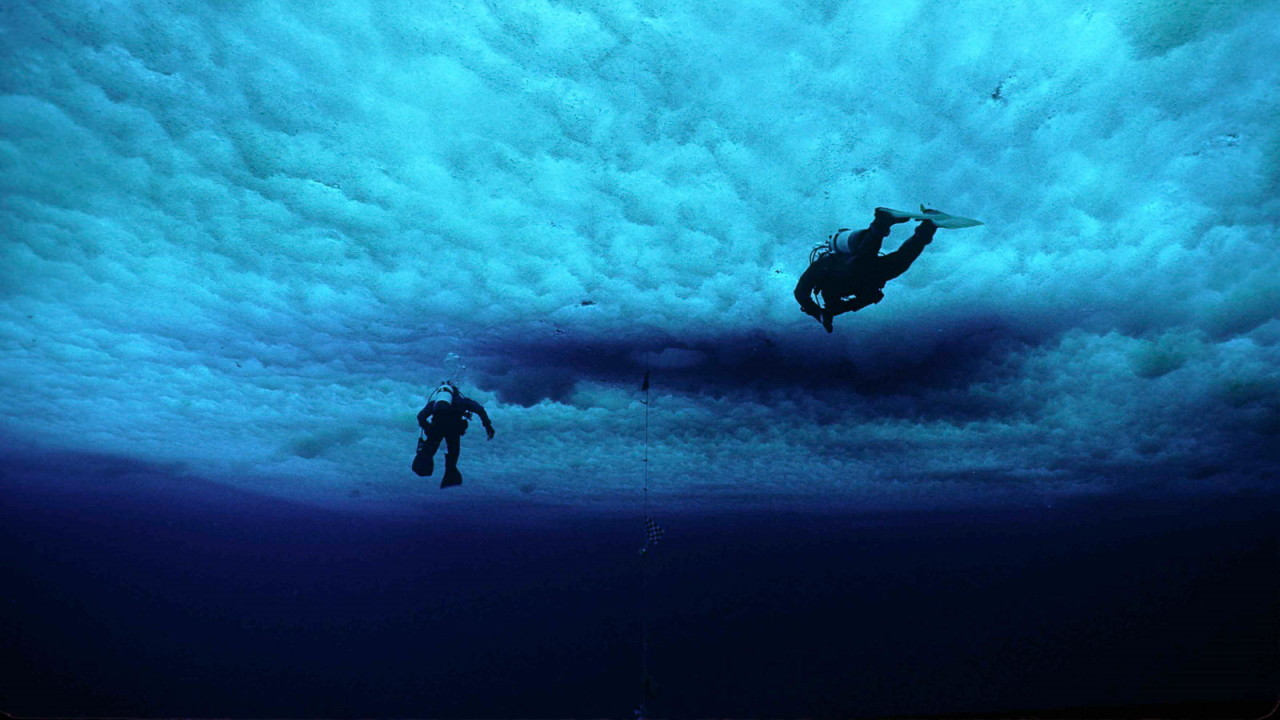 Recreational Scuba Diving under ice