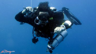 Solo diver with the equipment
