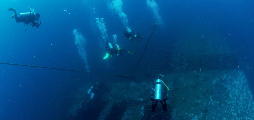 King Cruiser Wreck diving - Fun divers