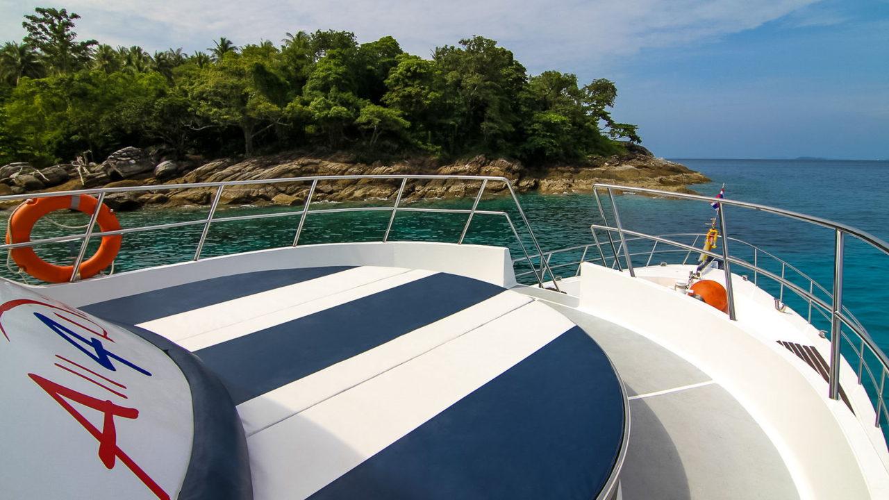 MV Mermaid - Scuba diving - Phuket dive trips 18