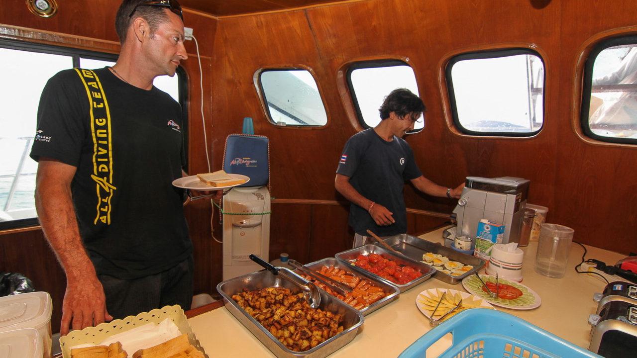 MV Mermaid - Scuba diving - Phuket dive trips 02