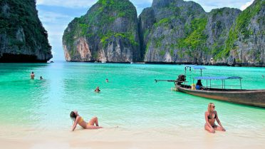 Scuba Diving Phuket - Phi Phi Islands aquatic activities